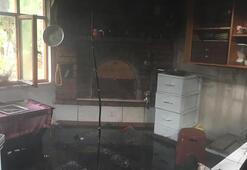 Amasya'da, aynı gün 2 bağ evi yandı