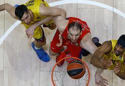 CSKA Moskovada Baker ve Koufos ile yollar ayrıldı
