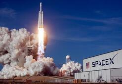 SpaceX ilk kez uzaya astronot gönderiyor Tarihi uçuş nasıl canlı izlenir