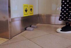 AVMlerdeki asansörler pedalla çağrılacak
