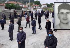 Dün evinde ölü bulanan üniversiteli Burak, toprağa verildi