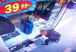 Farklı numaralı ayakkabı hırsızlığı kamerada
