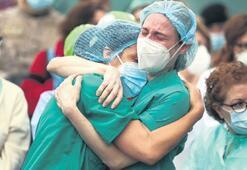 İspanyada ölenlerin sayısı 27 bin 121e yükseldi