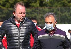 Ahmet Nur Çebi, futbol takımıyla bir araya geldi
