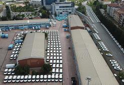 İSKİnin bahçesinde dikkat çeken görüntü Yüzlerce araç