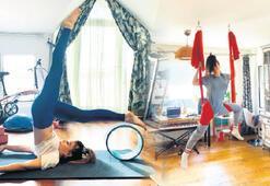 Simge, yogayla formunu koruyor
