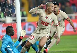 Galatasaray, Feghouli için 10 milyon Euro istiyor