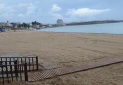 Didim'de plajlar yağış nedeniyle yine boş kaldı