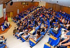 Yaşar'dan doktora öğrencilerine burs