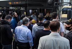 Yenibosnada minibüs ve otobüsler ayakta yolcu aldı
