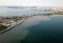İSKİnin arıtma tesisinden bırakılan su denizin rengini değiştirdi