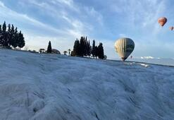 Balonlar beyaz cennetin üzerinde uçmak için gün sayıyor
