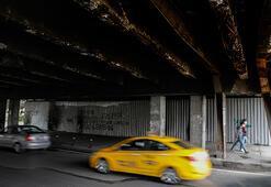İstanbulun göbeğinde korku tüneli Geçmeye korkuyorlar...