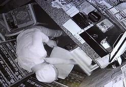 Camını kırarak girdiği bakkaldan hırsızlık yaptı, kameralara yakalandı