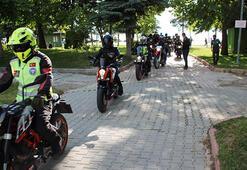 Motosiklet ve bisikletleriyle sağlık çalışanlarına teşekküre gittiler