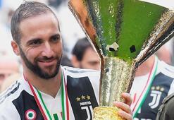 Juventusta Gonzalo Higuainle yollar ayrılıyor