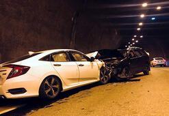 Yol tarifini yanlış anlayıp ters şeride girince kaza yaptı: 3 yaralı