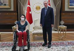 Cumhurbaşkanı Recep Tayyip Erdoğan, genç milli voleybolcu Meltem Çetin'i kabul etti