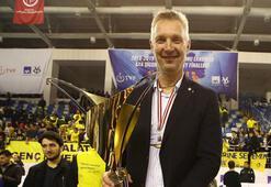 Fenerbahçe HDI Sigortada Mariusz Sordyl ile yollar ayrıldı