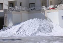 Bodrumda bir otelin daha sahile beyaz kum serme girişimi durduruldu