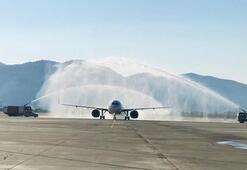 Dalamana inen ilk uçak Böyle karşılandı