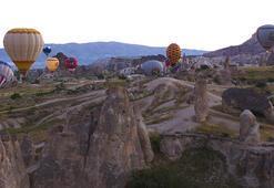Kapadokya sıcak hava balonlarıyla şenlendi
