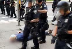 Bir anda kanlar içerisinde kaldı ABDde polisin ittiği adam kafa travması geçirdi