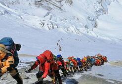 Defalarca Evereste tırmanan adam, şaşkına çeviriyor