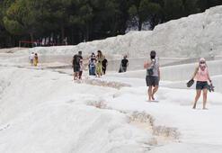 Beyaz cennet Pamukkalede hafta sonu hareketliliği