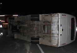 Servis minibüsü ve otobüs çarpıştı Çok sayıda yaralı var