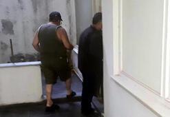 Kıraathanede kumar oynayan 3 kişiye sosyal mesafe cezası