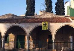 Son dakika... GKRY Tuzla Camiine Bizans bayrağı asılmasını kınadı