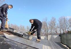 Topkapı Sarayında çatılardaki kurşun levhalar yenileniyor