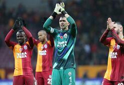 Galatasarayda tüm planlar bozuldu Yıldız futbolcu Cim Bomdan ayrılıyor...