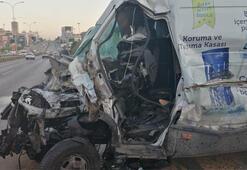 Maltepede kamyonet minibüse çarptı: 1i ağır 5 yaralı