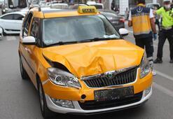 Taksinin çarptığı yaşlı adam yaralandı