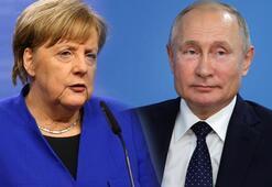 Putin ile Merkel Libyadaki durumu görüştü