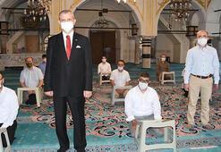 Müzik yayını sonrası İzmirdeki camilerde ezanı güzel okuma dersleri