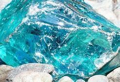 Akuamarin (Aquamarine) Taşı Nedir, Nasıl Oluşur Akuamarin Taşının Özellikleri, Anlamı Ve Faydaları Nelerdir