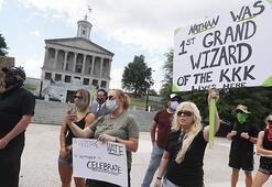 Ku Klux Klanın terör örgütü ilan edilsin diyenler yüz binlerce imza topladı