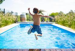 Çocuğunuzla tatile gitmeden önce Covid-19a karşı almanız gereken önlemler