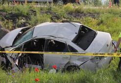 Bursa'dan Artvin'e giden aile Sivas'ta kaza geçirdi 2 öldü 2 yaralı
