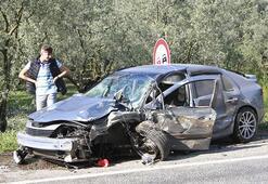 Bursada iki araç kafa kafaya çarpıştı: Yaralılar var