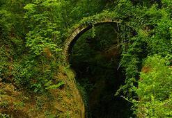 Artvinde tarihi kemer köprü keşfedildi
