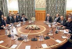 Libya Zirvesi'ne sürpriz erteleme