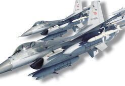'Uçaklarımız teröristlerin inlerini başlarına yıkıyor'