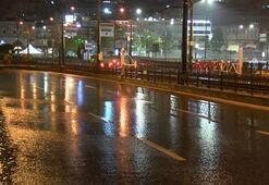 Meteoroloji uyarmıştı İstanbulda beklenen yağış başladı
