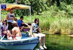 Doğal akvaryum Kadın Azmağında tekne turu