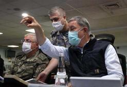 Bakan Akar, Pençe-Kartal Operasyonu sonrasında pilotları tebrik etti