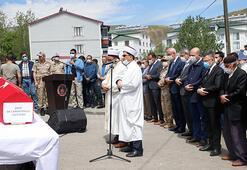 Bingöldeki depremde şehit olan güvenlik korucusu Cengiz Pullu için tören